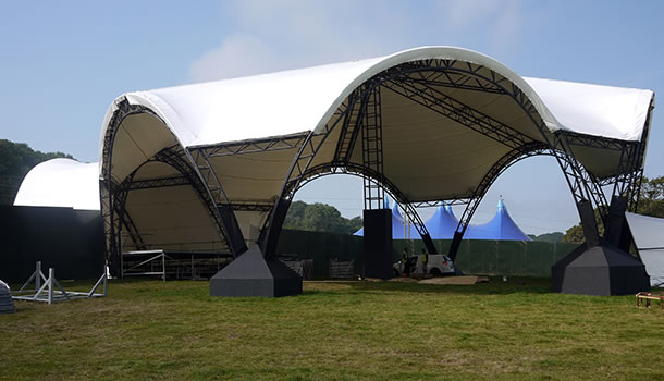 bestival stage 01