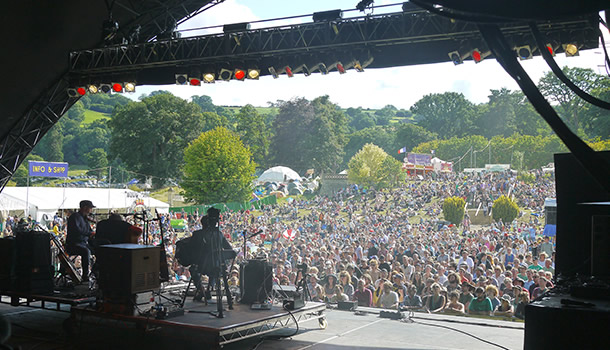 g3-stage-view-from-onstage-over-crowd